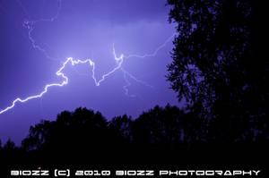 Lightning in the sky 1 by BiOzZ
