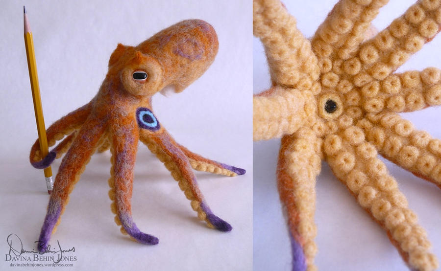 Two Spot Octopus by FamiliarOddlings