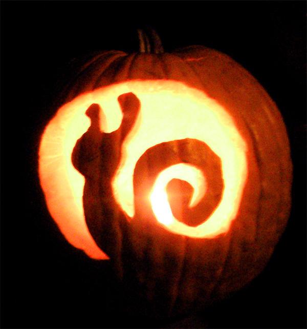 Snail Pumpkin by FamiliarOddlings