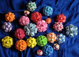 Modular Origami Pile v2 by pandacub143