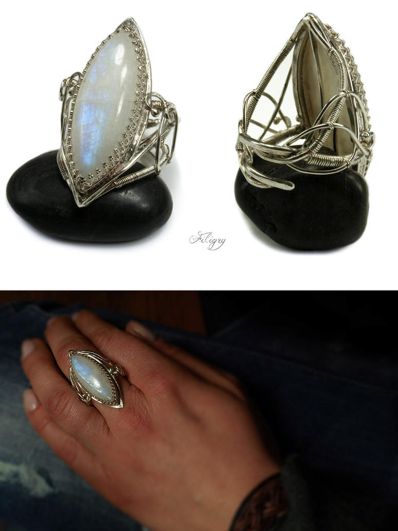 Moonstruck - Moonstone Ring by FILIGRY