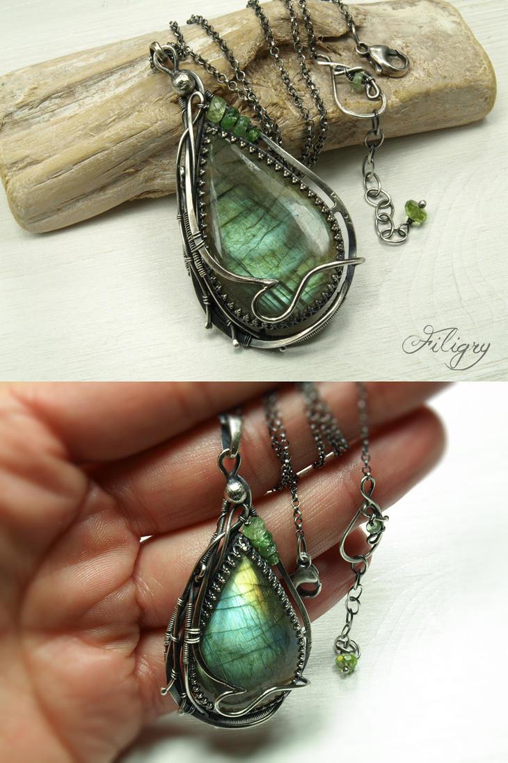 Destiny - Labradorite Pendant by FILIGRY