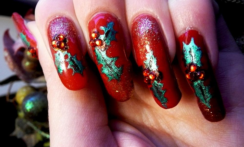 Christmas Holly Nails