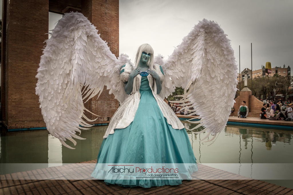 Guardian Angel Close Wings by moonlightspirit