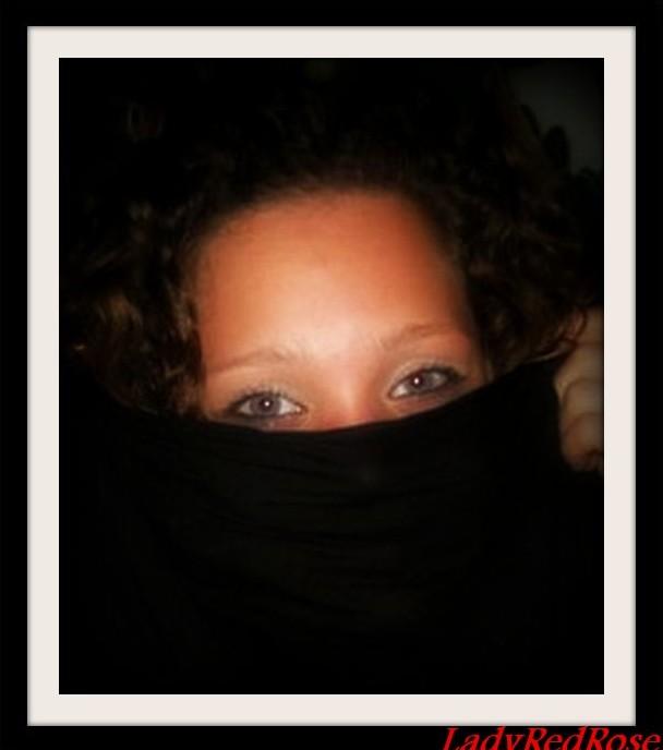 LadyRedRose's Profile Picture