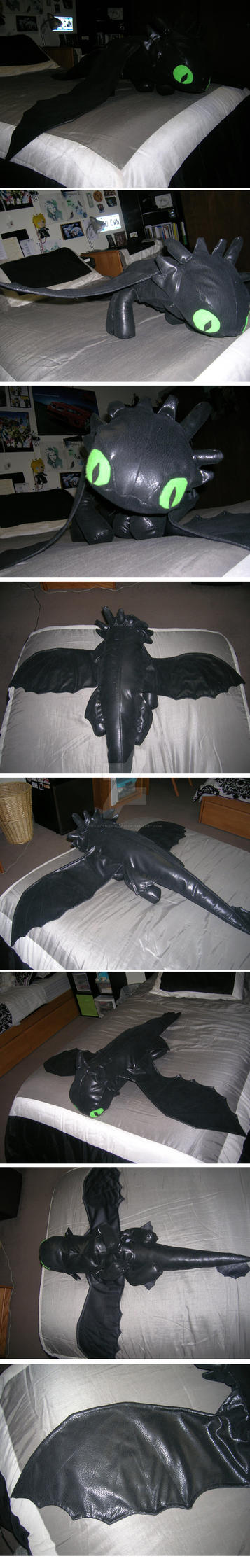 Toothless  - Night Fury Plush by Ex-Soldier-Cloud