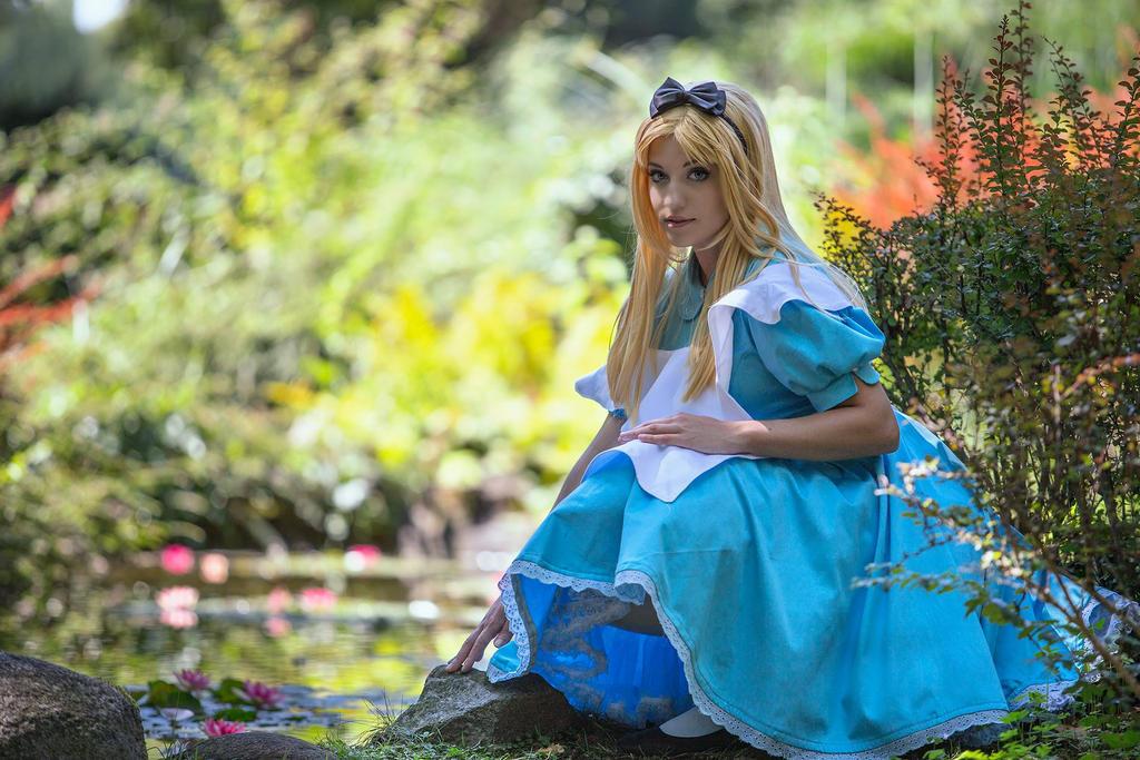 Alice 4 by RikaHaruMoonbeam