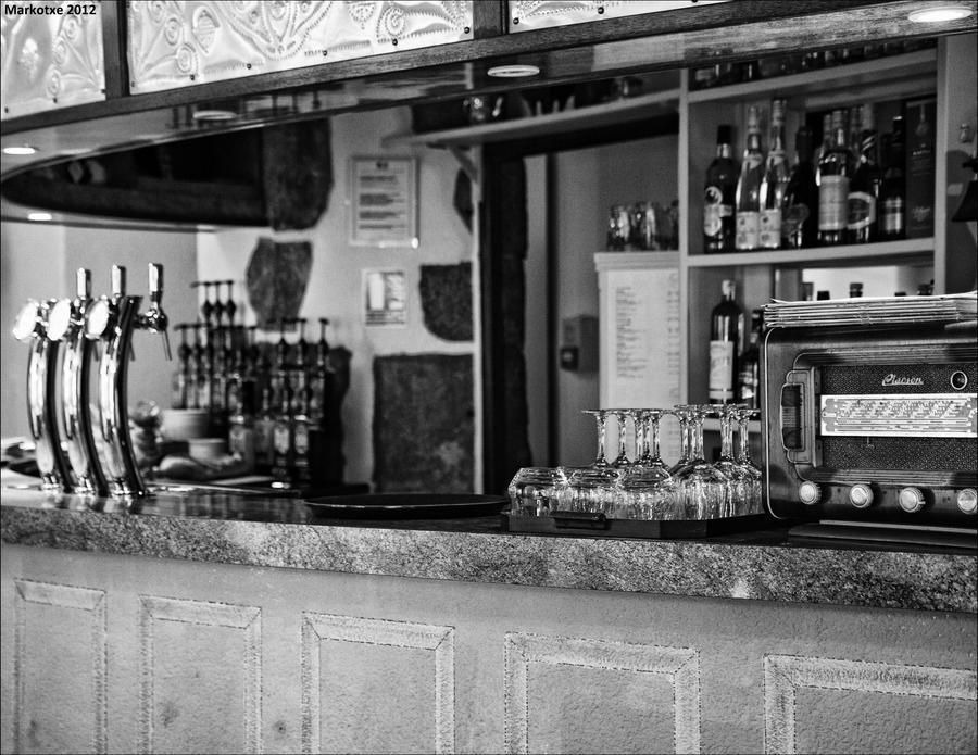 Un bar de Ste Severe ... by Markotxe