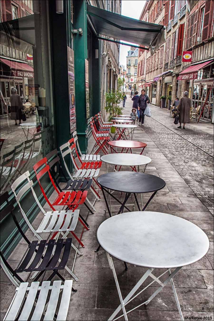 Tables by Markotxe