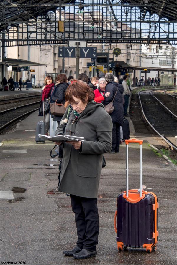 Le train arrive dans 30 secondes by Markotxe