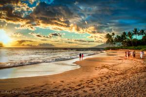 Hawaii, gathering at the beach by alierturk