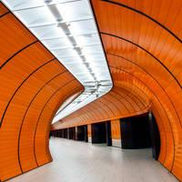 Munich, hypnosis of Marienplatz by alierturk