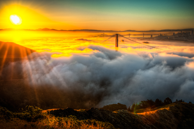 http://fc03.deviantart.net/fs71/f/2012/276/6/c/san_francisco__golden_gate_and_sunrise_by_alierturk-d5gnfd1.jpg