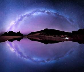 Pfeiffer Beach, reflection of thE Galaxy by alierturk