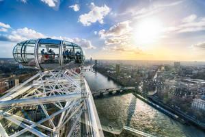 London, by London eye by alierturk