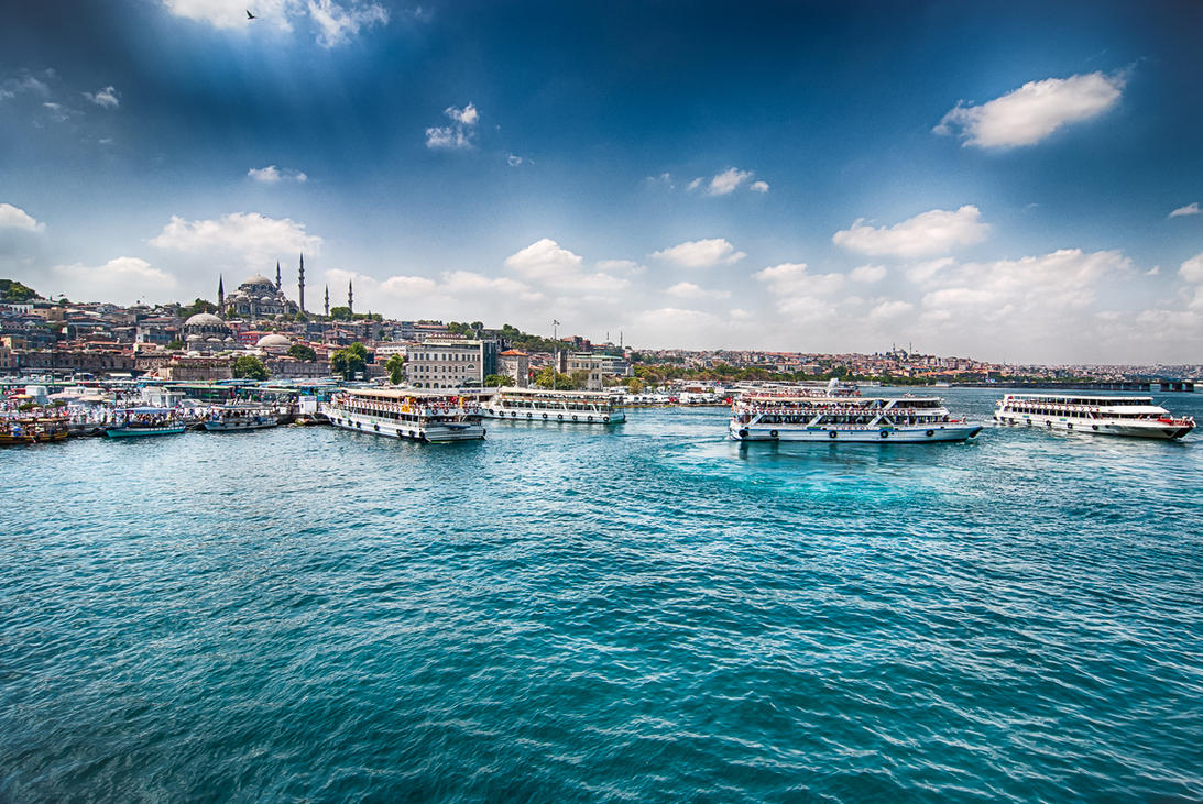 Istanbul, Eminonu by alierturk
