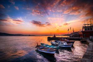 Istanbul, inhabitants by alierturk