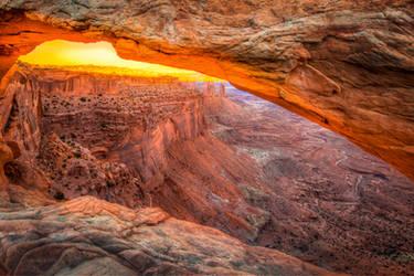Canyonlands, Mesa Arch by alierturk