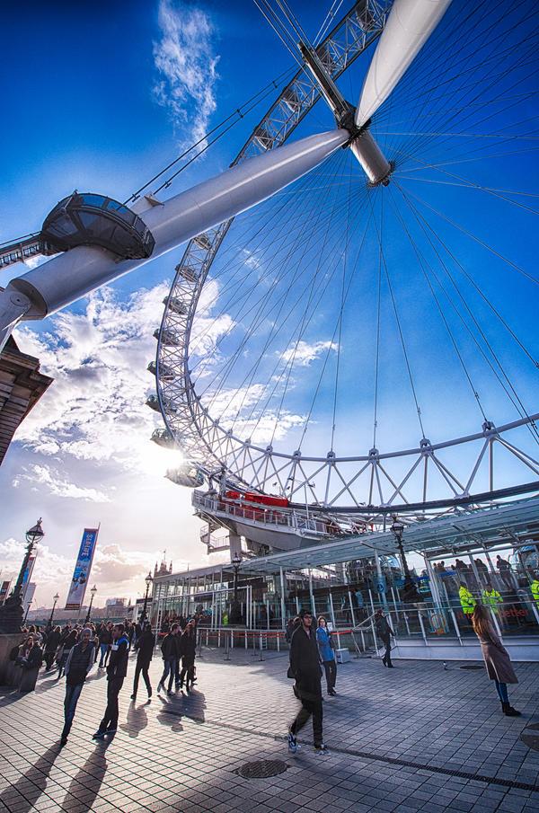 London, eyes on me by alierturk