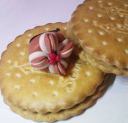 biscuit cake ring by strictlyhandmade