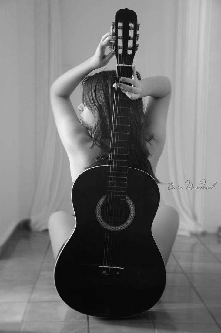 Sinem and Guitar by BuseMndrk
