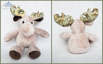 Moose Plush by ValkyriaCreations