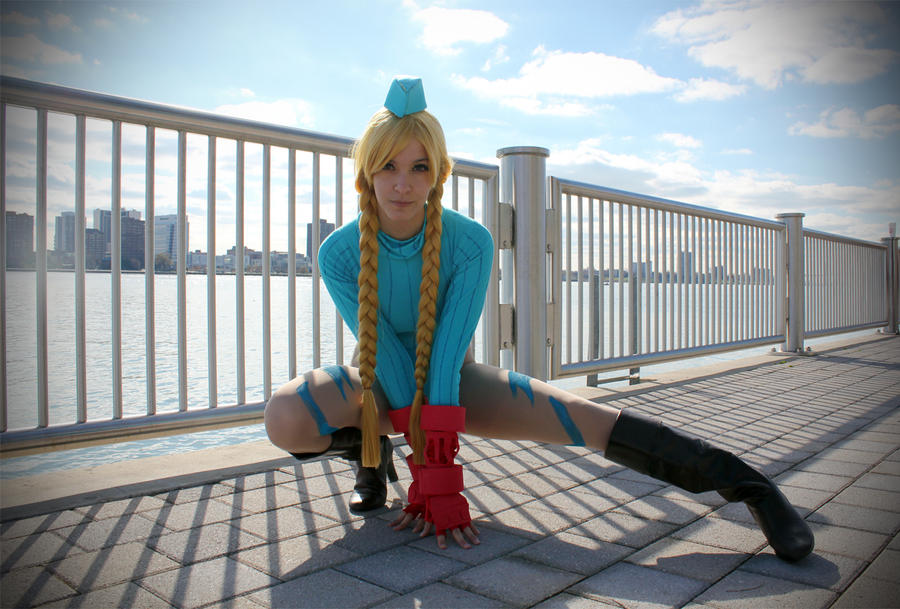 Killer Bee - Cammy White by tenleid