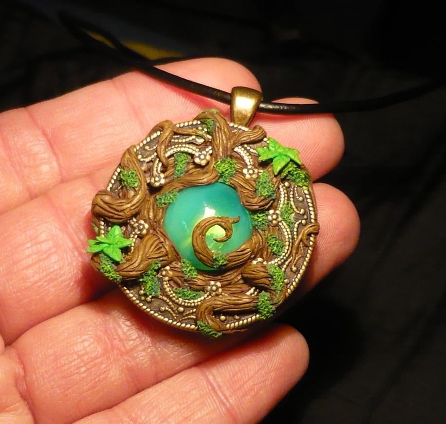 Dryads Heart - handsculpted Pendant by Ganjamira