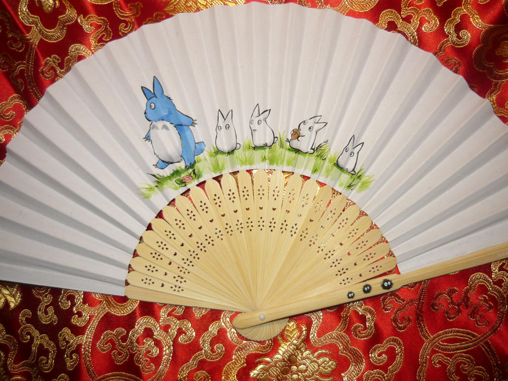 Totoro! - handpainted Paperfan by Ganjamira