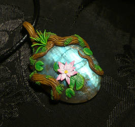 Nymphs Pond - handmade Pendant with Labradorite