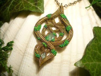 Forestwalker - handmade Pendant with real Emeralds by Ganjamira