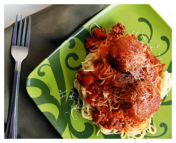 Spaghetti and Meatballs by cb-smizzle