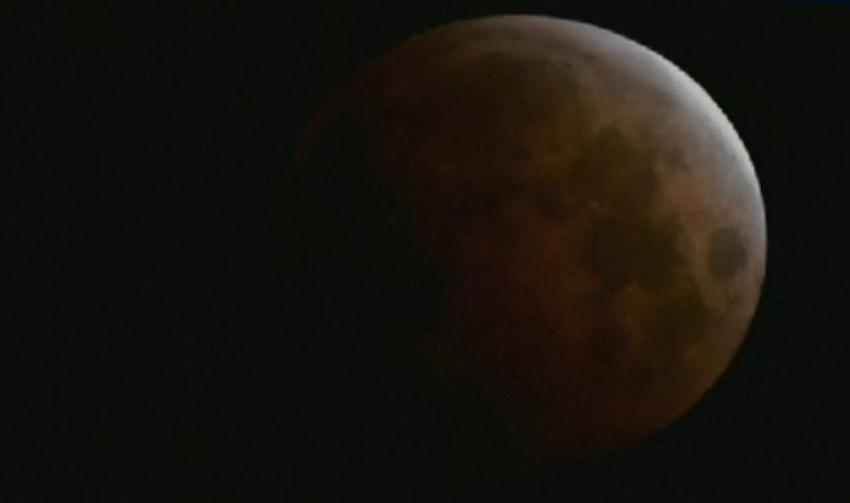 total lunar eclipse of Oct. 8 by SonicfanClub123