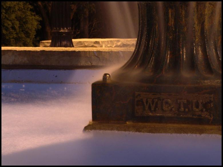 Fountain by littledubbs