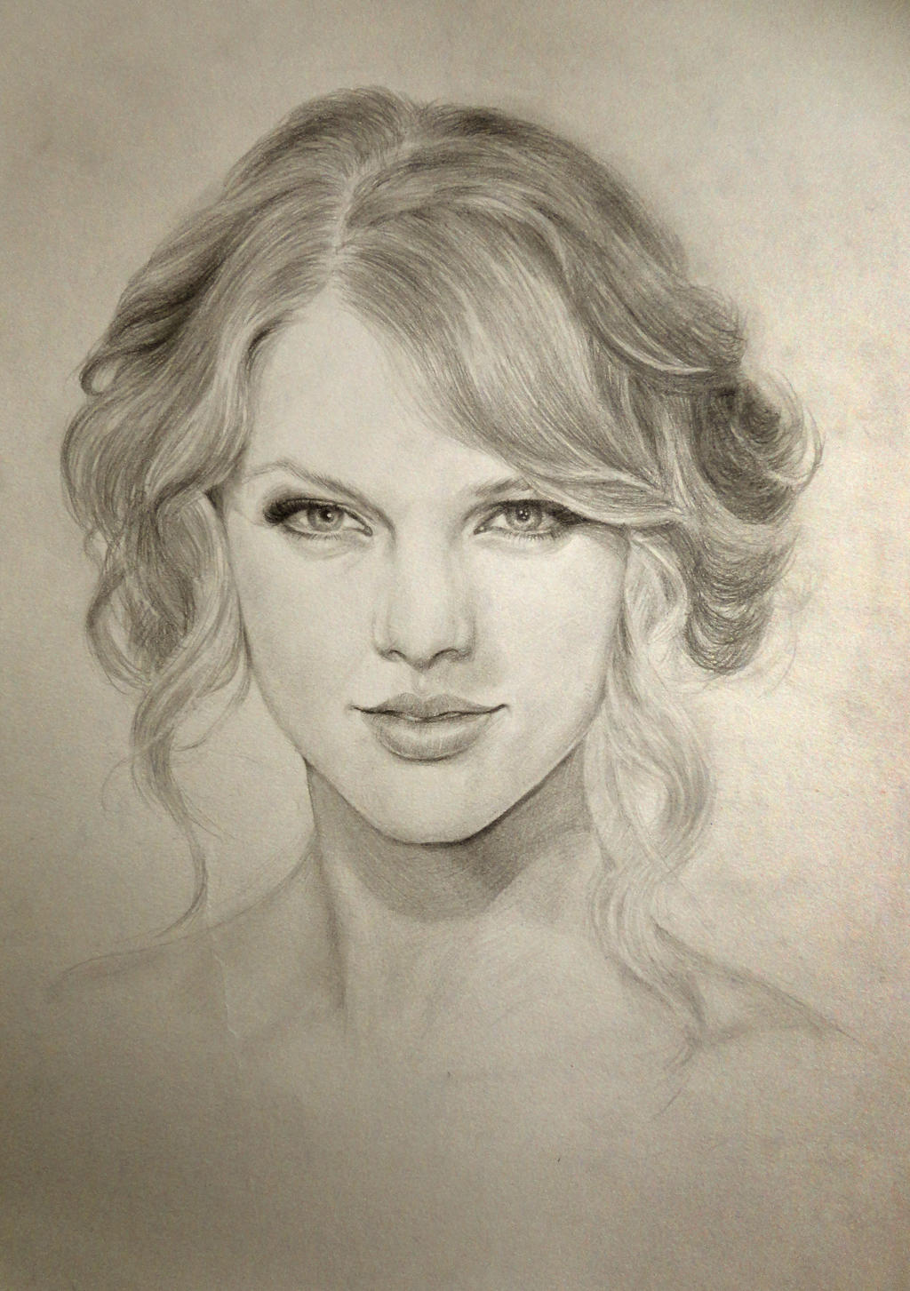 Taylor Swift by Zombieyue