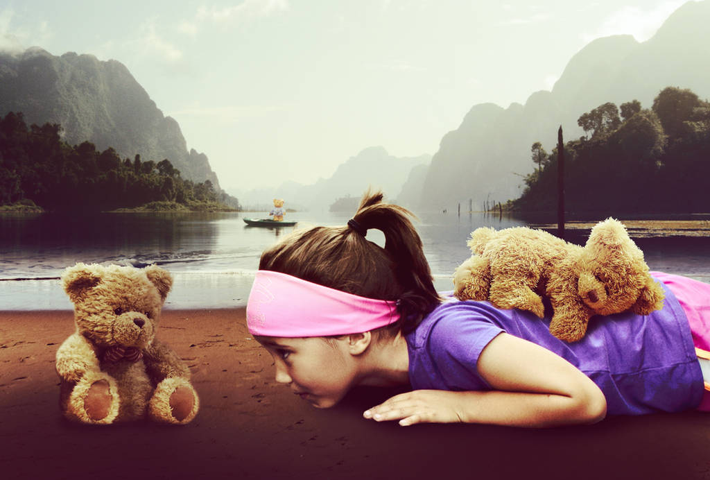 Photo Manipulation: Girl and Taddy bear by OldCrash