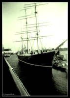 Hamburg - Schiff by fotoguerilla