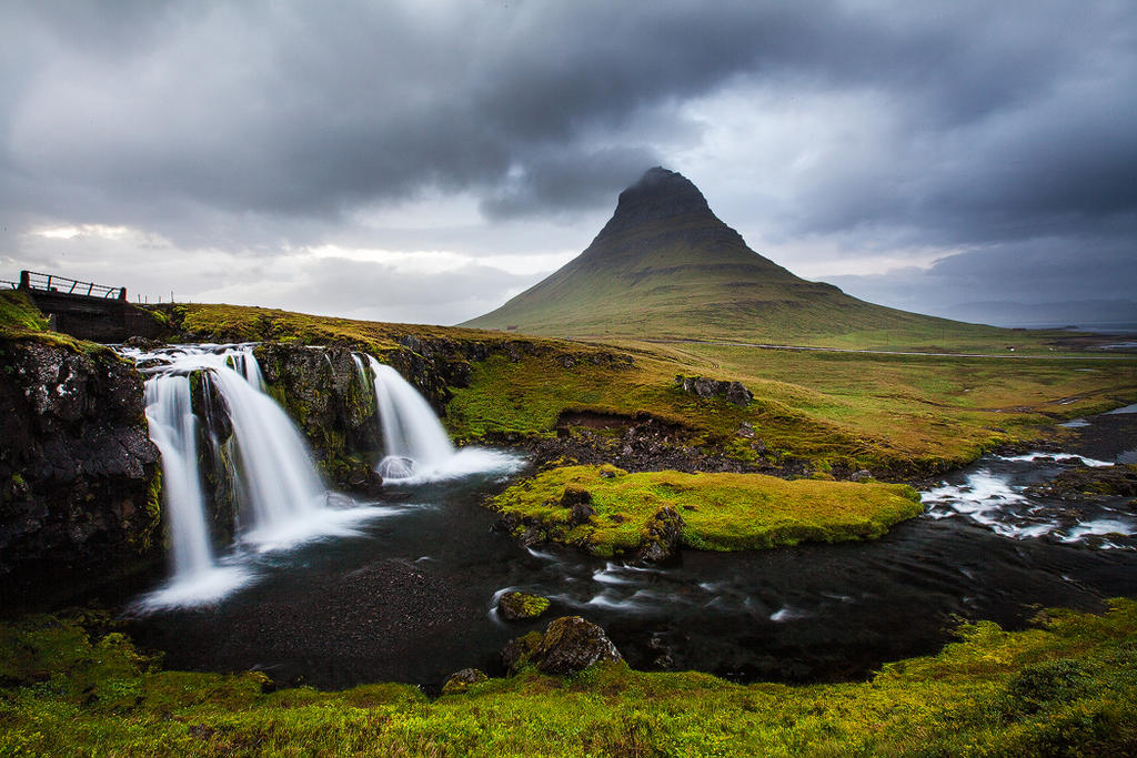 Kirkjufell by CalleHoglund