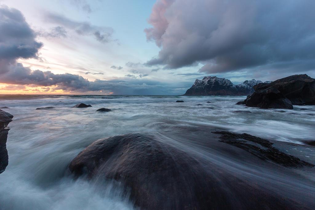 Uttakleiv Beach by CalleHoglund