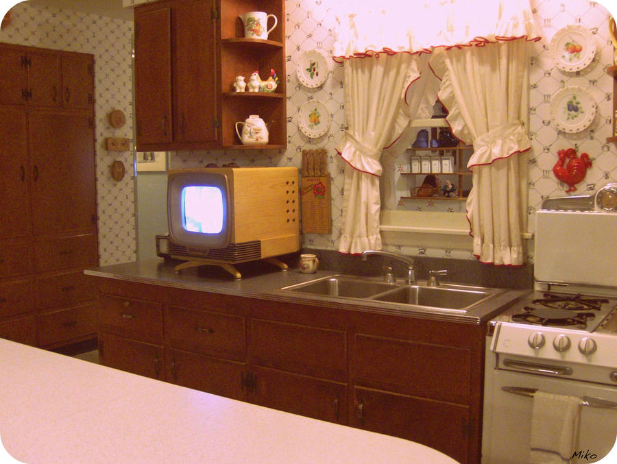 Retro Looking Kitchen Cabinets
