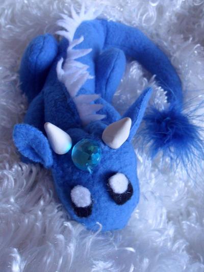 Baby Ice Dragon by Noellisty