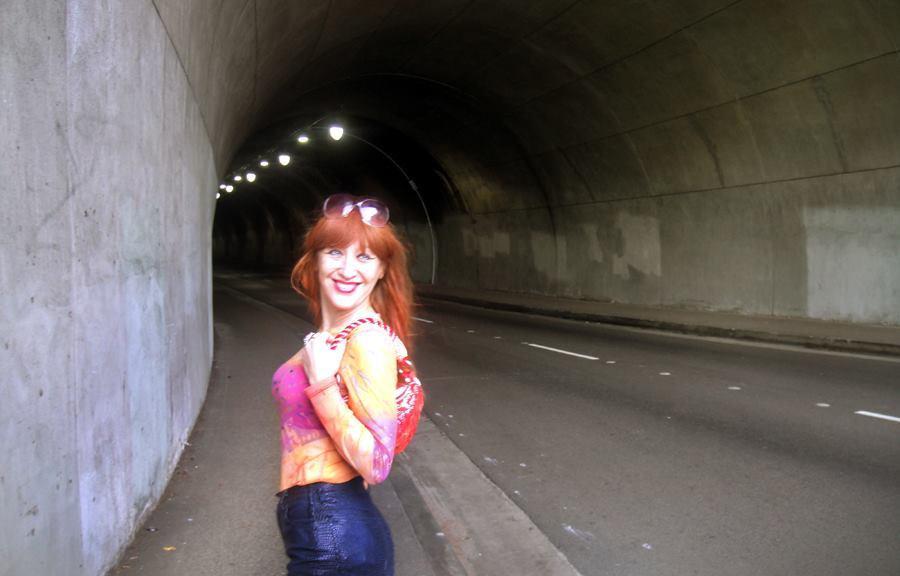 Cute Sofia - walk through tunnel - foxy red hair by SOFIAMETALQUEEN