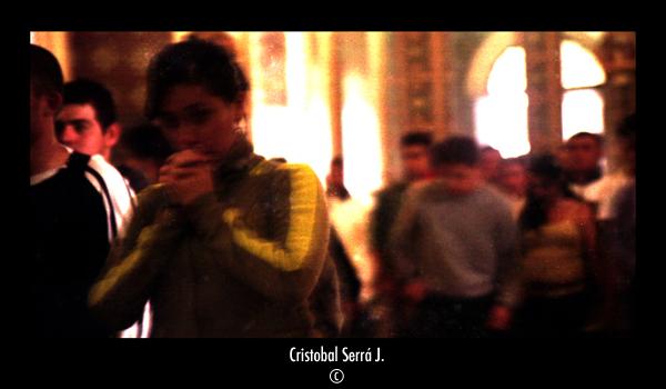 Muchacha rezando-Girl praying by SerraJorquera