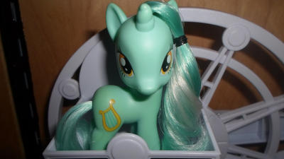 Lyra Heartstrings by MidnightRarity
