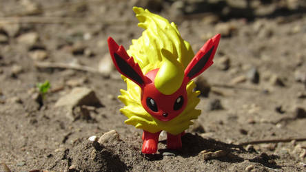 Flareon by MidnightRarity