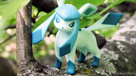 Glaceon by MidnightRarity