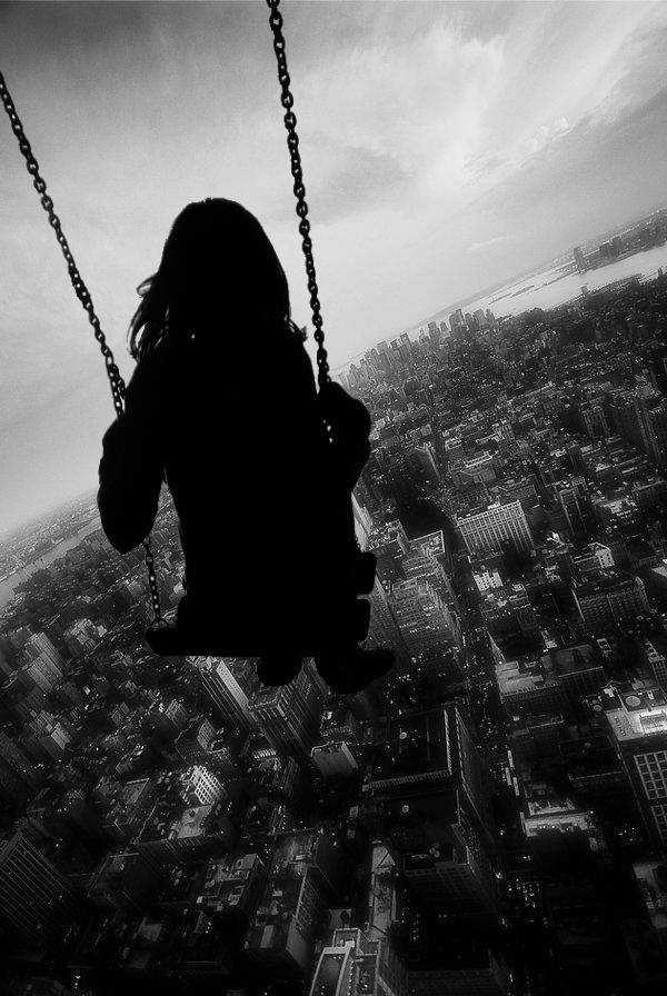 Девушка одинокая на аву