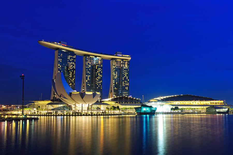 Marina Bay Sands by Shooter1970