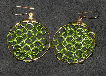Green and Gold Chainmaile Earrings by tBLAIRs