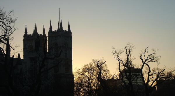 LONDON AGEN Aren't it pretty by Lewkskywalkerr